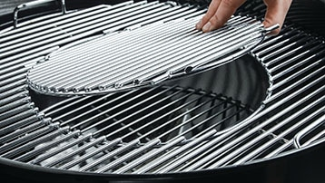 houtskool BBQ met gedeeltelijk uitneembaar rooster