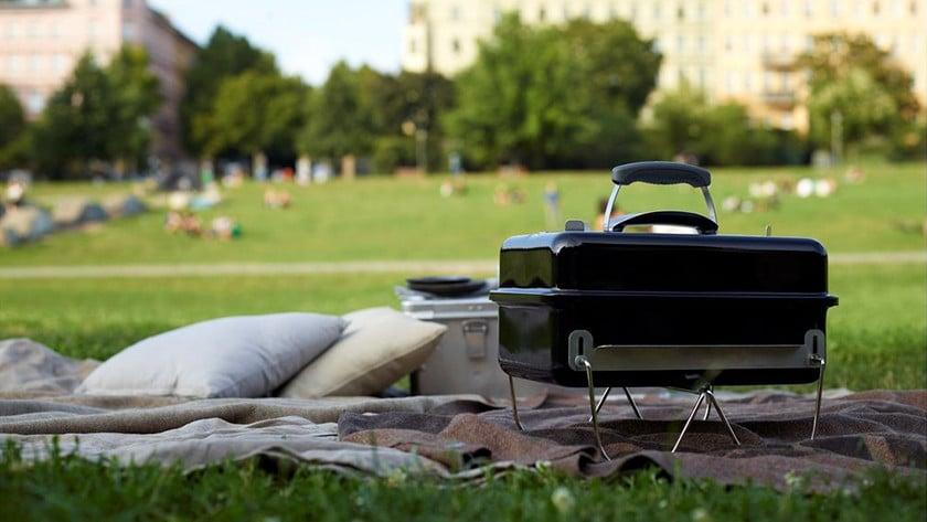 tafelbarbecue met houtskool