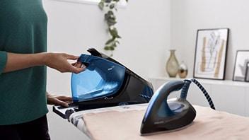 Stoomgenerator met reinigingsprogramma