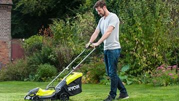 zelfrijdende accu grasmaaier